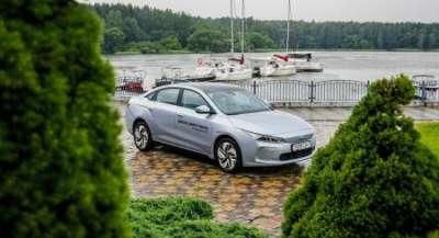 Geely скоро наладит сборку электромобилей для России