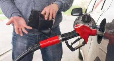 Хозяева заправок опять просят поднять цены на бензин